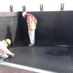 Verlegung_der_AGRU_PE100_SureGrip_Betonschutzplatte